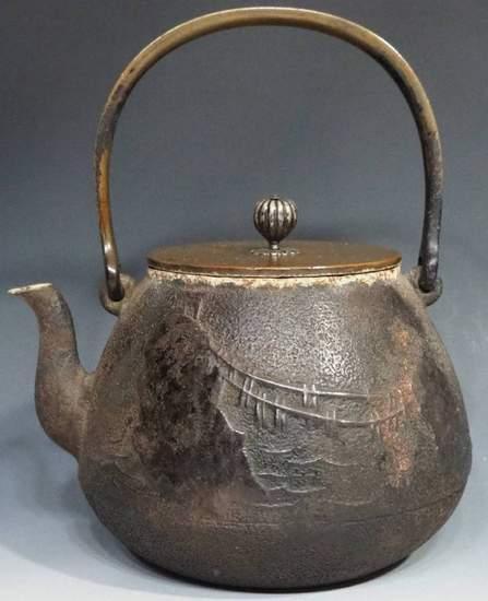 骨董品(鉄瓶)